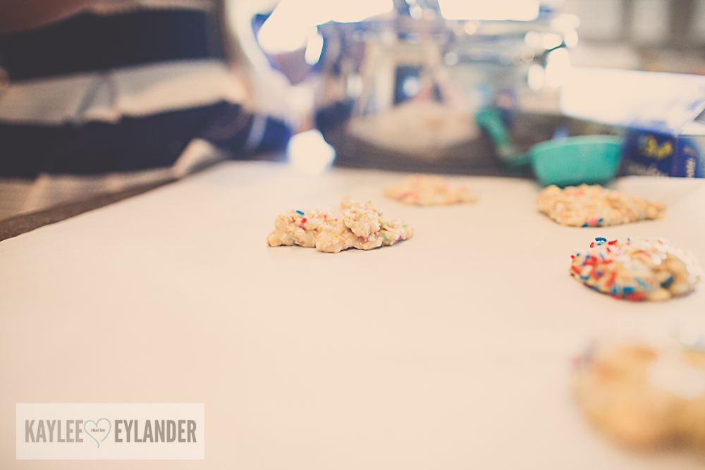 May 30,  · Cake Mix Cookies are easy, buttery, and have a wonderful cake batter flavor! How to make cookies from a cake mix slightly doctored with flour, sugar, real butter, chips, and sprinkles. Cake Mix Cookies. Cake batter is one of my favorite dessert flavors, second only to chocolate.5/5(2).