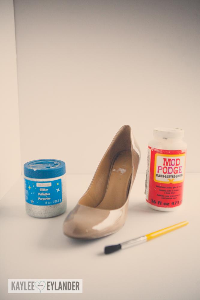 diy-cinderella-glitter-high-heel-shoes-1