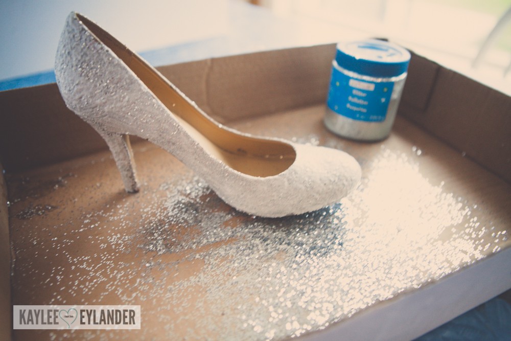 diy-cinderella-glitter-high-heel-shoes-11