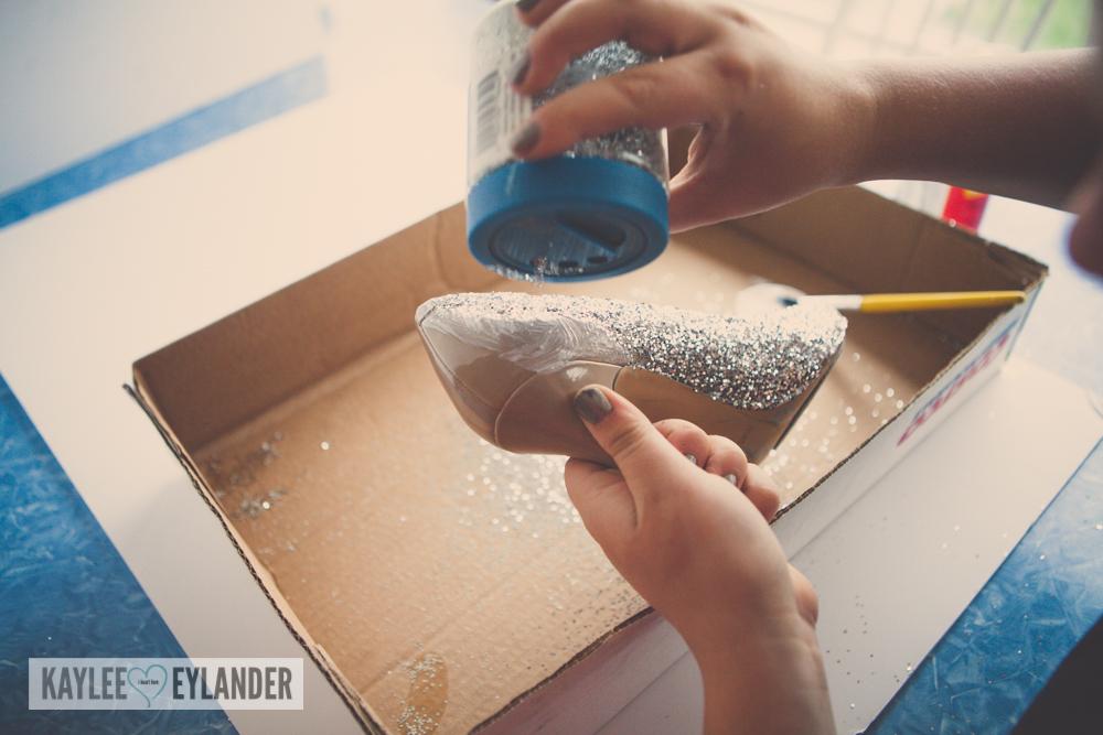 DIY glitterized shoes cinderella costume