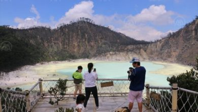 Photo of Kawah Putih, jezero u vulkanskom krateru u Indoneziji