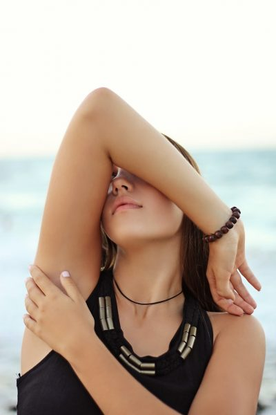 how to lighten dark underarm