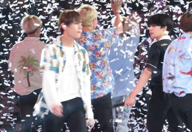 V Taehyung Jimin closing KCon LA 16 6741kcj