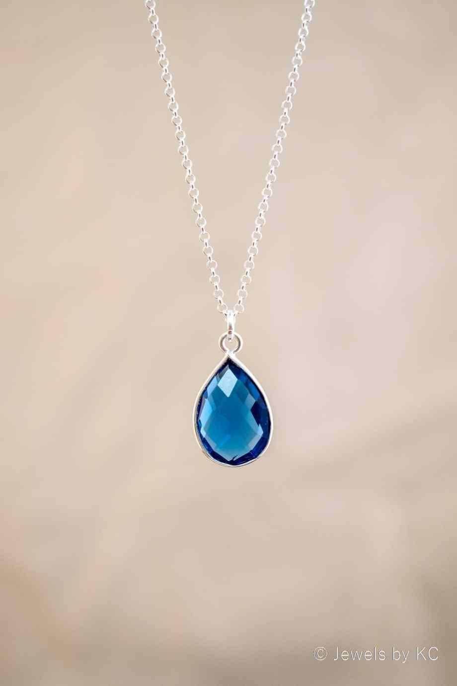 Edelsteen ketting met blauwe 'Ioliet' watersaffier edelsteen van Sterling Zilver