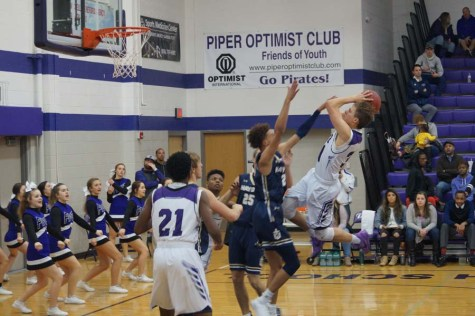 Varsity boys' basketball wins against Hayden,  74-61