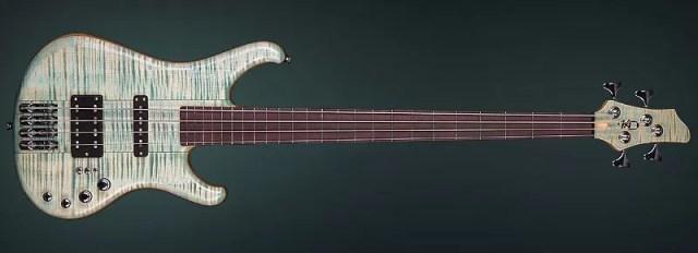 Enjoy this 4 str. bass guitar!