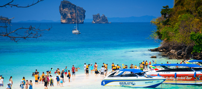 Thale Waek (Separated Sea) in Krabi. A TAT Newsroom Photo Contest 2014 entry, pictured by Worachot Puttasri.