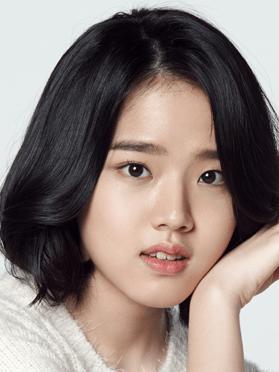 Kim Hyang Gi, 21 (Moments of 18)