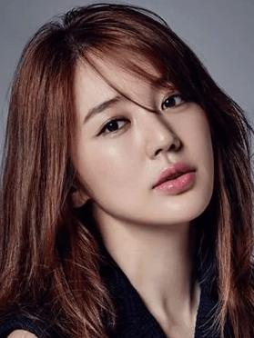 Yoon Eun Hye, 37 (Coffee Prince)