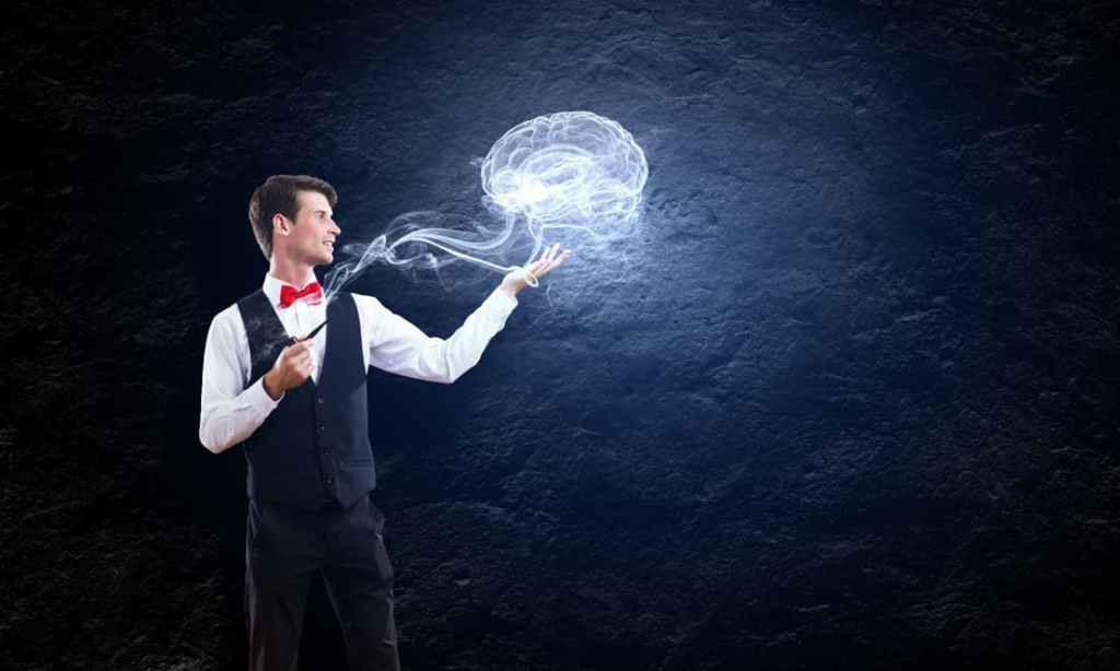Man holding out a smoky image of a brain – psychology of quitting smoking