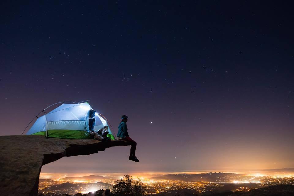 Trasforma il furgone della nonna in un camper per