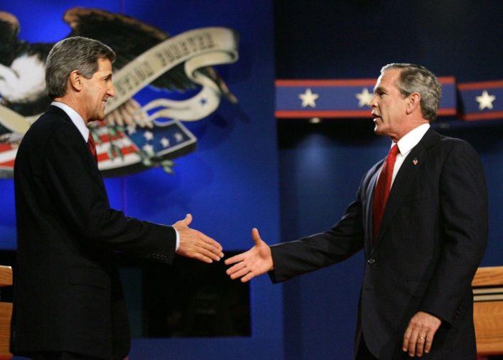 John Kerry và Bush gặp gỡ