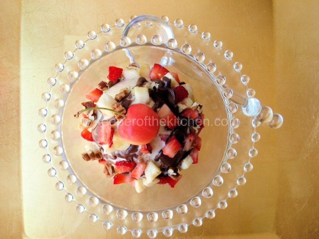 Banana-Frozen-Yogurt-Sundae-SOP-011
