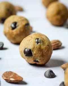 Vegan Cookie Dough Balls | Paleo and Gluten-Free