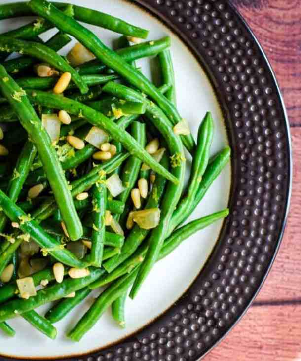 vegan green beans on plate