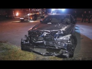 Minicab and BMW collides, four injured