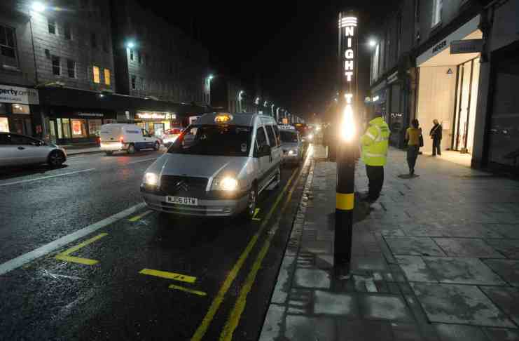 Woman bites taxi driver in the neck, claiming to be a vampire