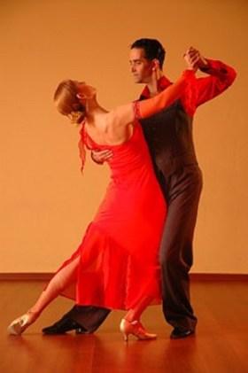 dancing-929818__340