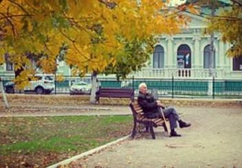 pensioner-998544__180