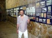 Ο Μιχαήλ Ρωμανός στην αίθουσα ντοκουμέντων των Σύγχρονων Ολυμπιακών Αγώνων