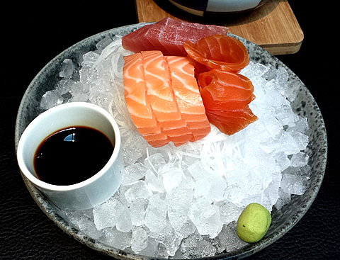 Sticks & Sushi Sashmi