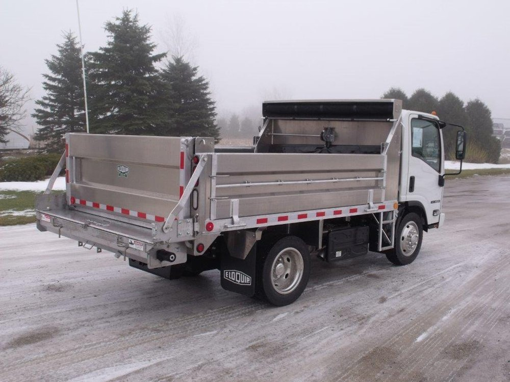 Salt Spreader Equipped with KEITH® WALKING FLOOR® System