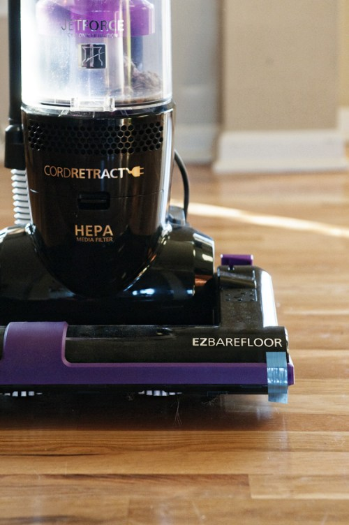 Upright Vacuum for Bare Floors