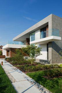 Elegant Modern Contemporary House