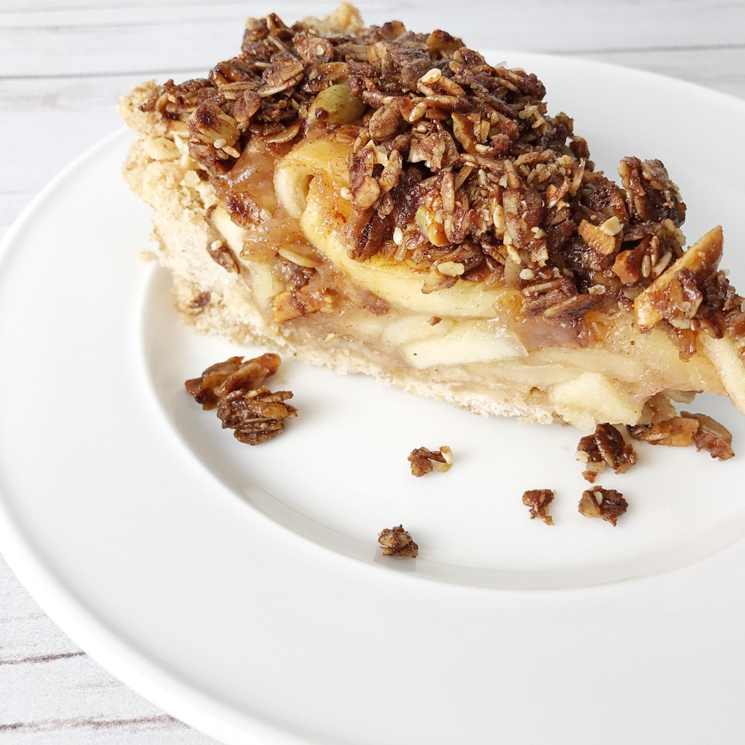 No Bake Apple Pie With Granola Topping