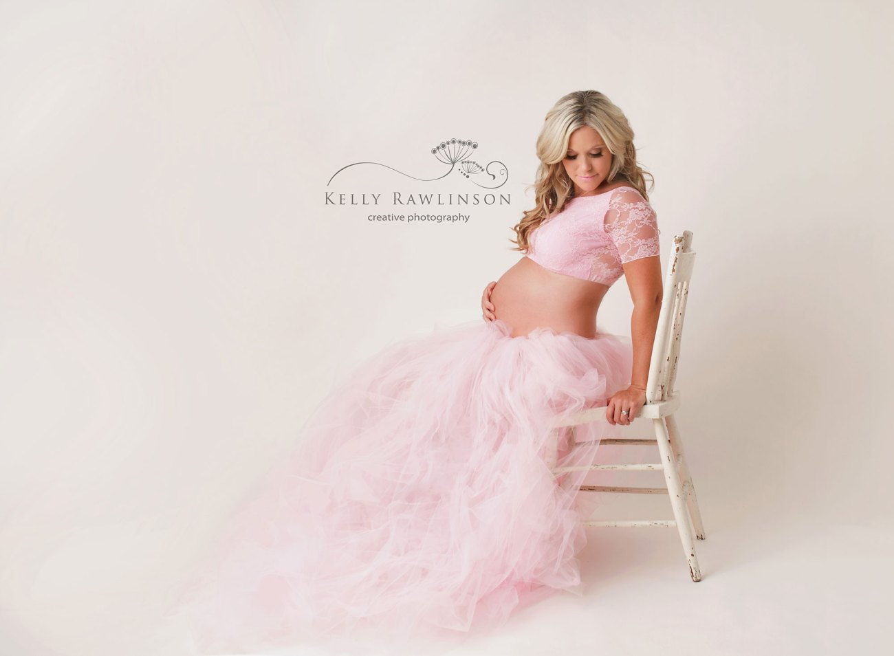professional maternity photographer, pregnancy photos in newmarket