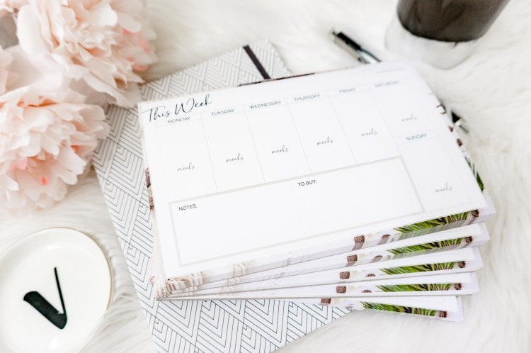 STAYING ORGANIZED: WEEKLY PLANNING