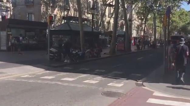 barcelona-van-crash_355563540621