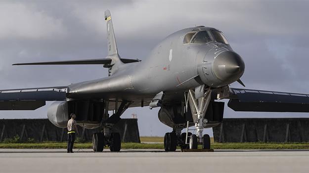 ellsworth-air-force-base-b-1-bomber_549832550621