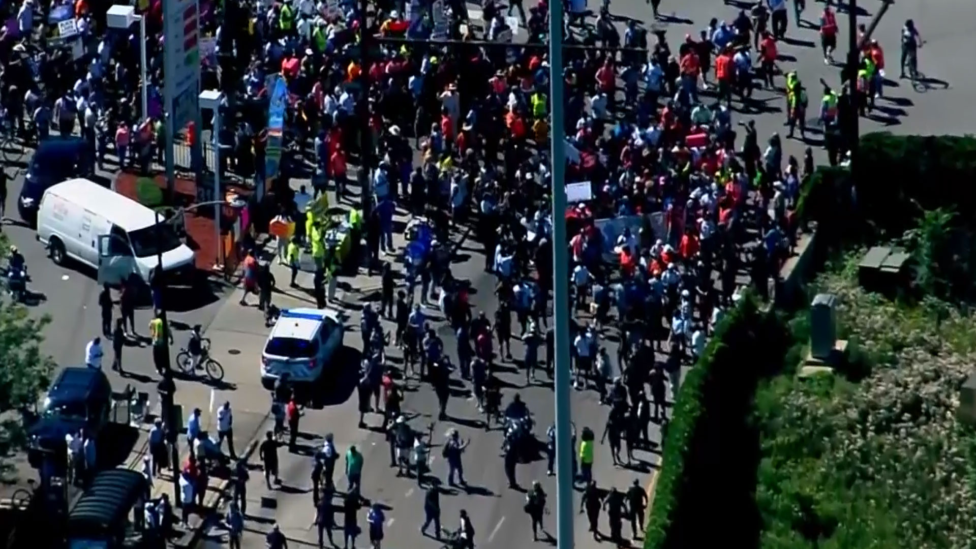KELO Chicago Protest