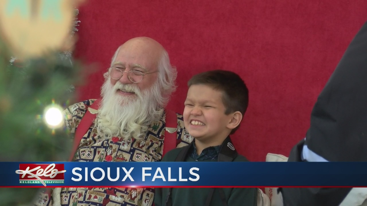 Caring Santa Event Draws A Crowd At The Empire Mall