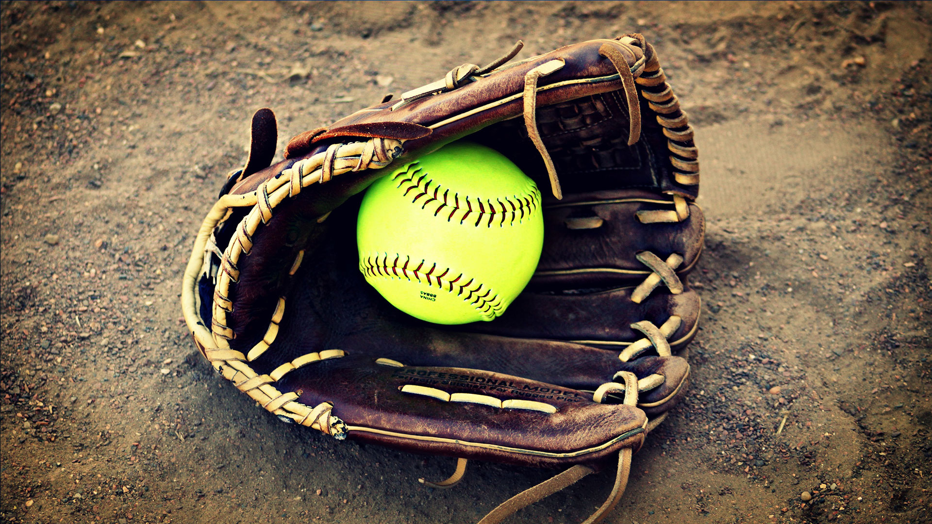 KELO-sports-generic-softball-2_1529437991135.jpg