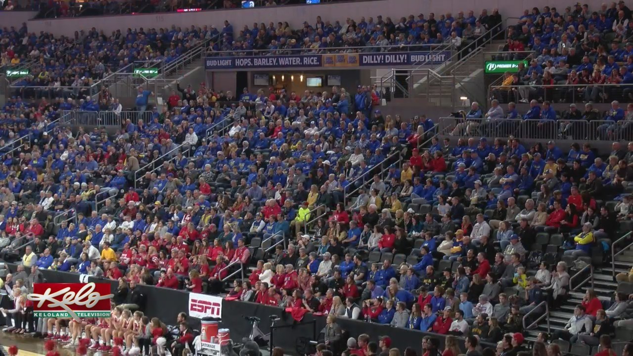 Catching Up With USD And SDSU Fans At Summit Championship Game