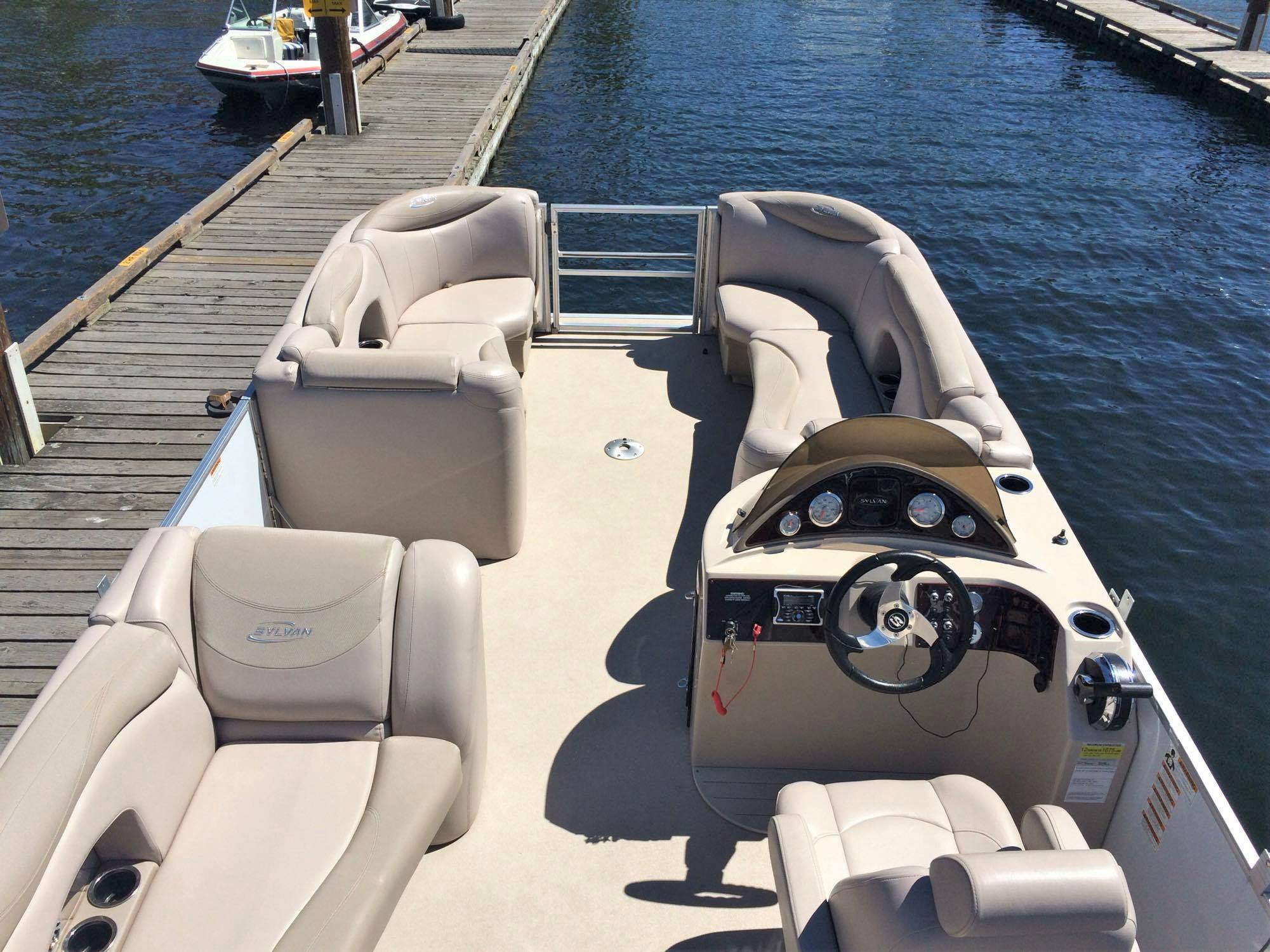 Pontoon-boat-rental-1