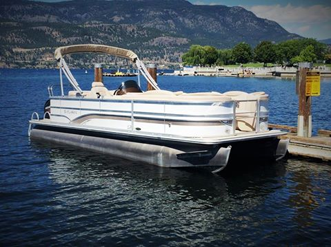 22' Pontoon Boat for rent on Okanagan Lake.