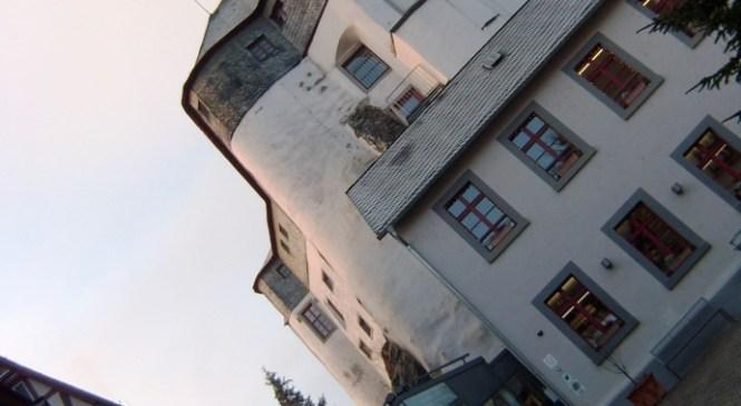 Menginap di Istana Kuno Diez an der Lahn