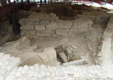 Di Reruntuhan Kota Antik Kourion
