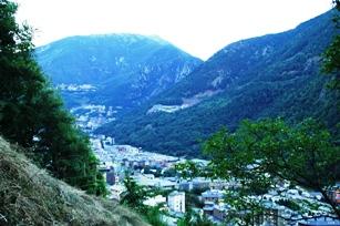 Di Lembah Pegunungan Andorra