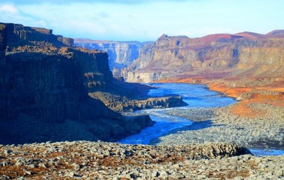 Bentang Alam Menakjubkan Islandia