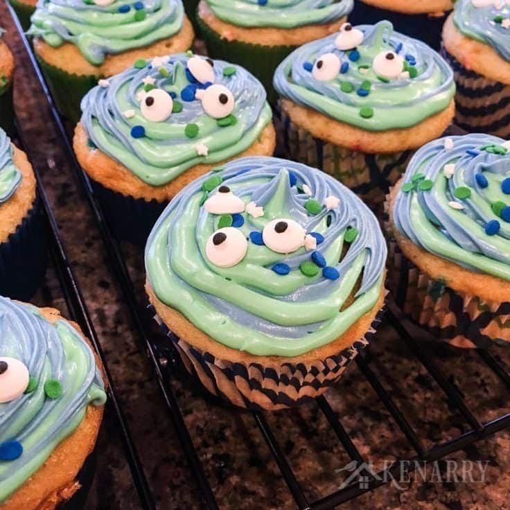 Monster Cupcakes Easy Idea For Birthday Or Halloween Treat