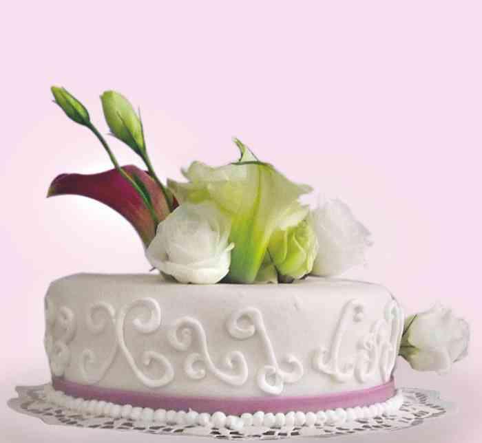 Hochzeitstorten und Sigkeiten  Konditorei