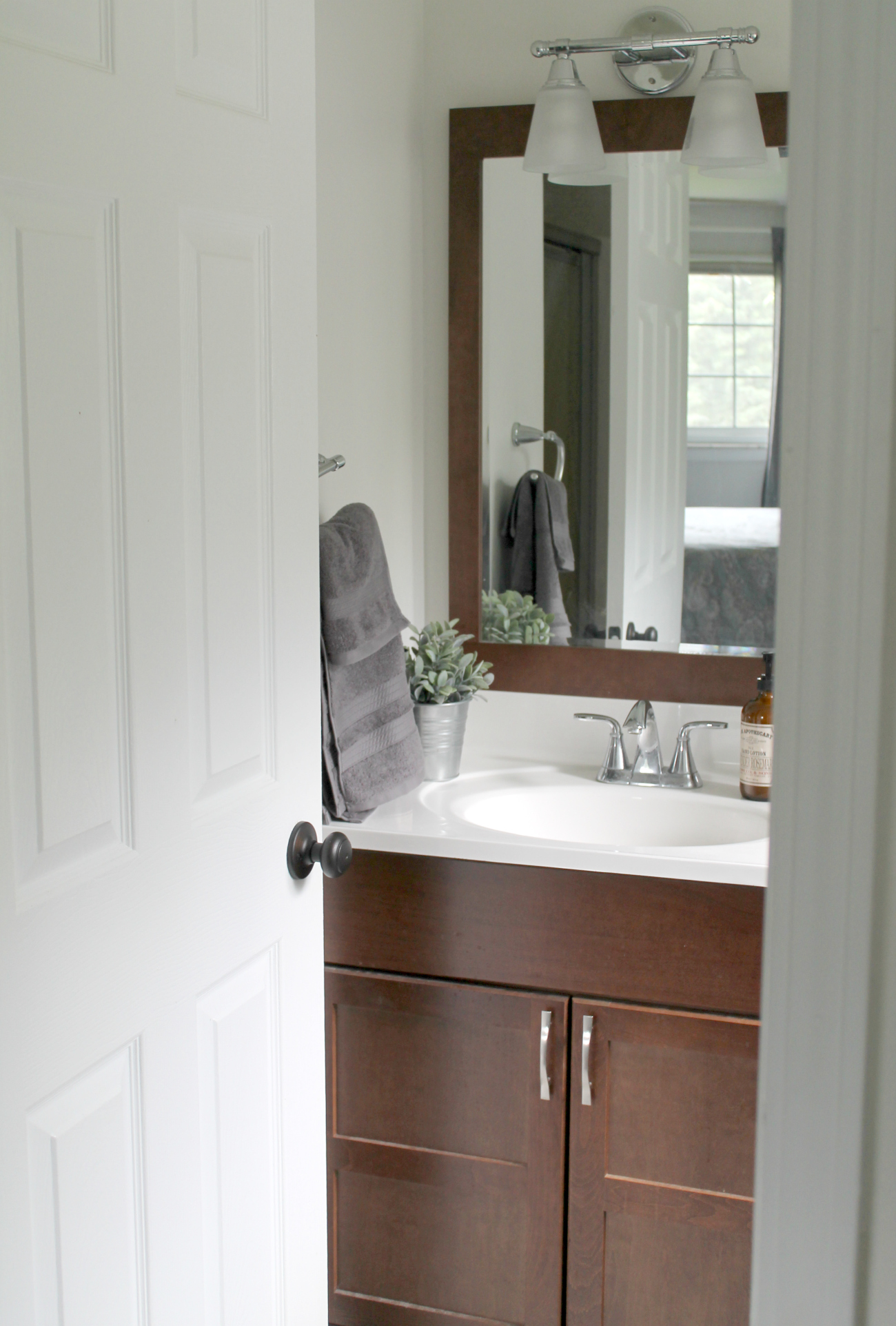 BudgetFriendly Small Bathroom Makeover