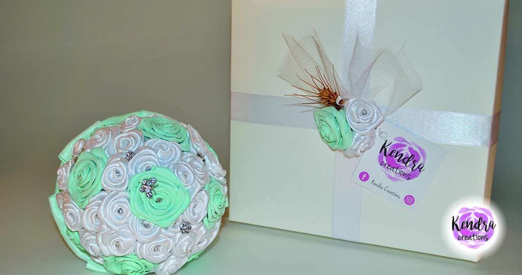 Kendra Creations bouquet comunione raso