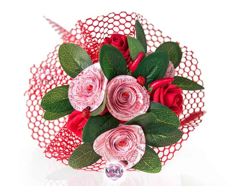 Bouquet laurea con rose rosse