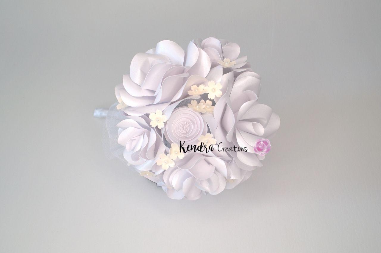 bouquet comunione con rose di carta