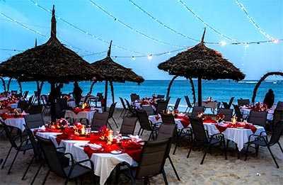 Am Strand essen- Hotel southern palms 4 sterne diani kenia am Indischer Ozean